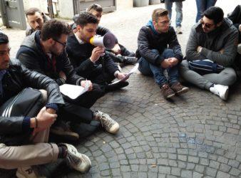 Sit-in Parthenope Alessandro Bottone