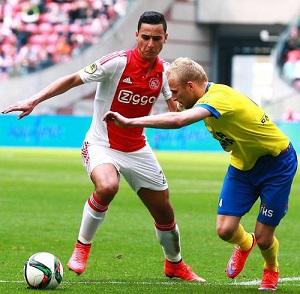 El Ghazi in azione con la maglia dell'Ajax