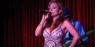 Marinobre_singing_21secolo