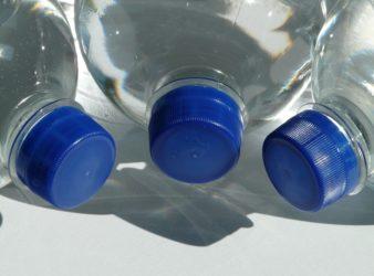 bottiglie-di-plastica_21secolo_simonavolpicelli