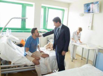 Conte-incontra-alcuni-feriti-dell'incidente-di-Bologna_21secolo_assuntafroncillo