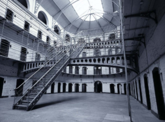 Suicidi nel carcere di Poggioreale