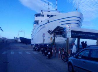 Casamicciola,traghetto Caremar impatta contro banchina_21secolo_Gerardina Di Massa