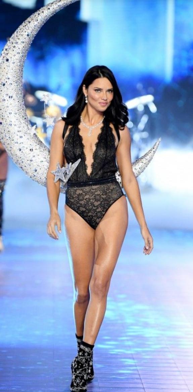 Adriana Lima per Victoria Secret