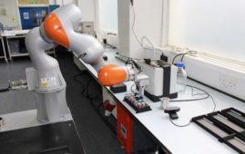 robot-scienziato