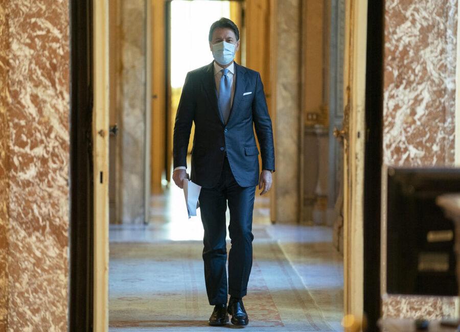 Il Presidente Conte prova ad allargare la Maggioranza