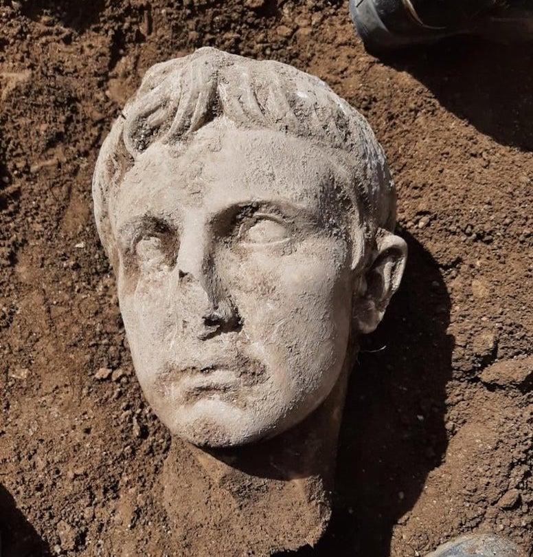 Ritrovata testa di Augusto, Isernia