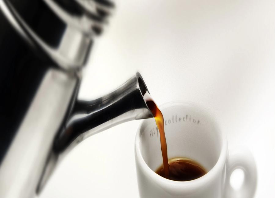 il caffè e la caffettiera tradizionale