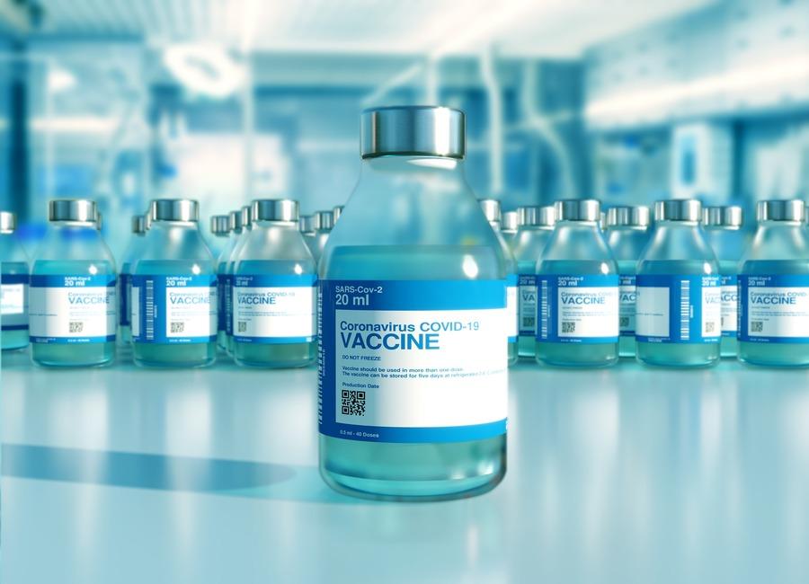 Boom di prenotazioni per i vaccini, causa Green Pass