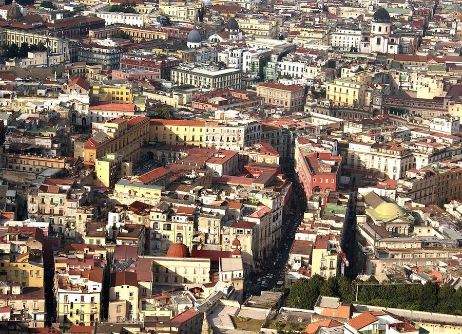 Napoli ed i Rioni come identità di una città senza tempo