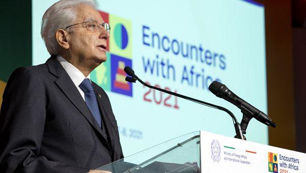 L'immigrazione: fulcro della conferenza Incontri con l'Africa